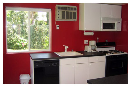 05-Guest_House_Kitchen_7-05